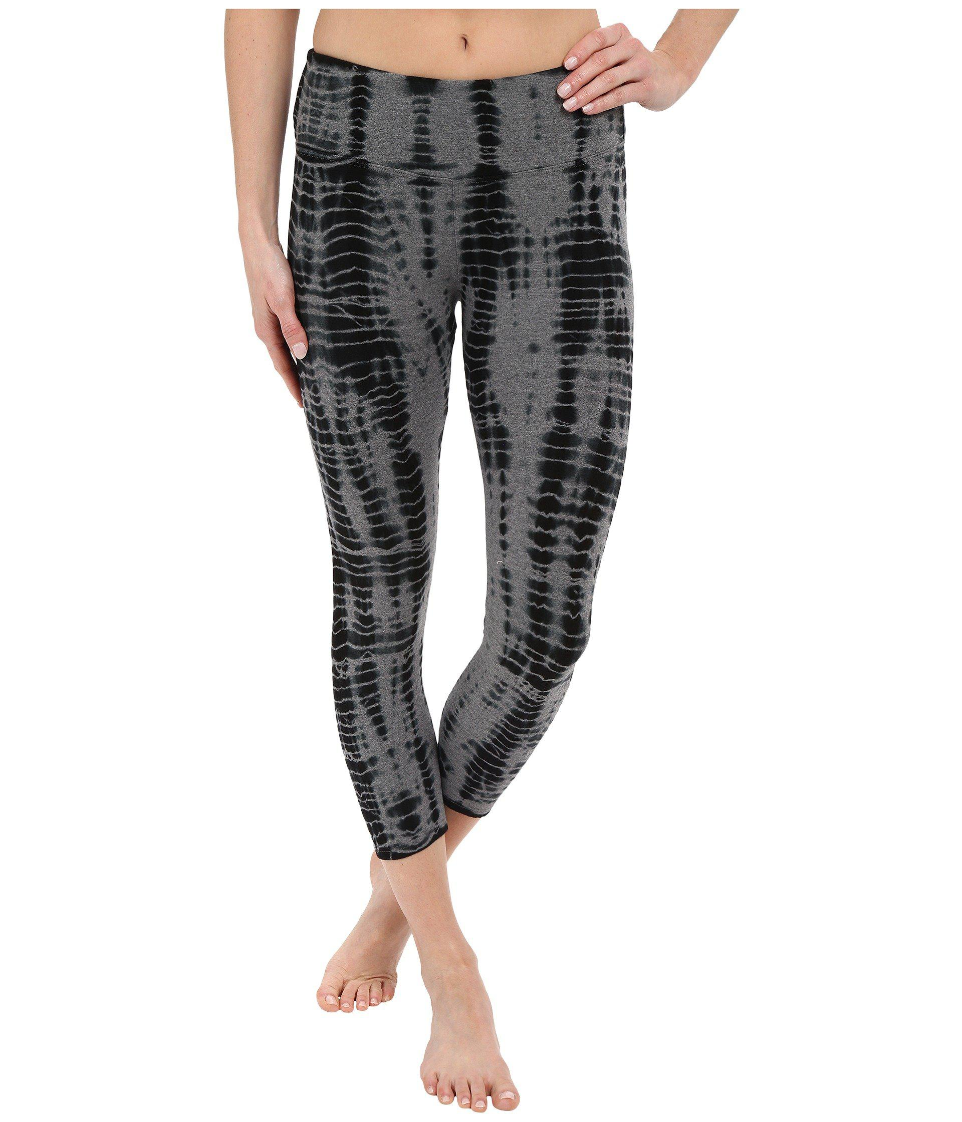 71dded9f934b4 Hard Tail. Black Flat Waist Capri Leggings (all Over Lizard 1) Women's  Workout