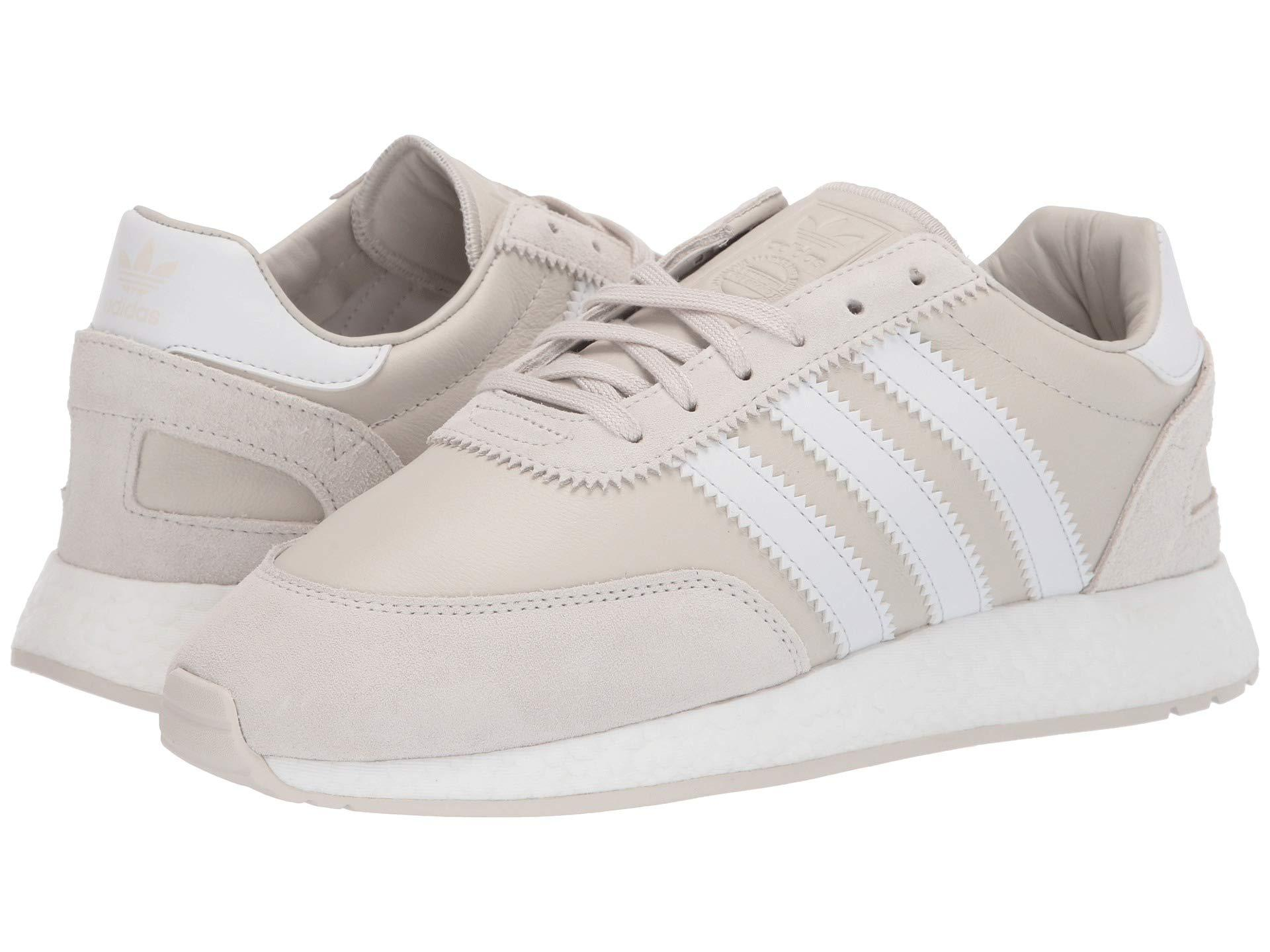 the latest 3fa51 e558c adidas Originals. I-5923 (raw White crystal White footwear White) Men s  Classic Shoes