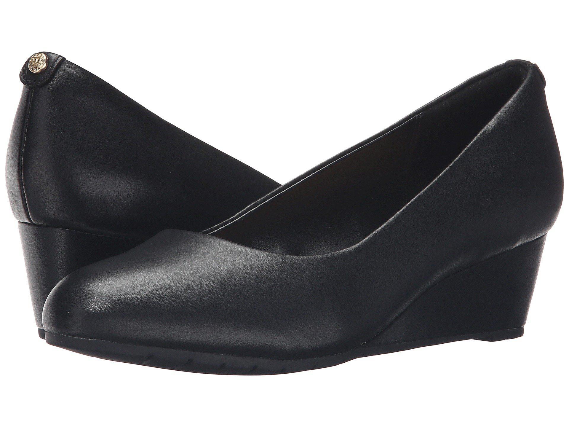 Clarks Leather Vendra Bloom in Black
