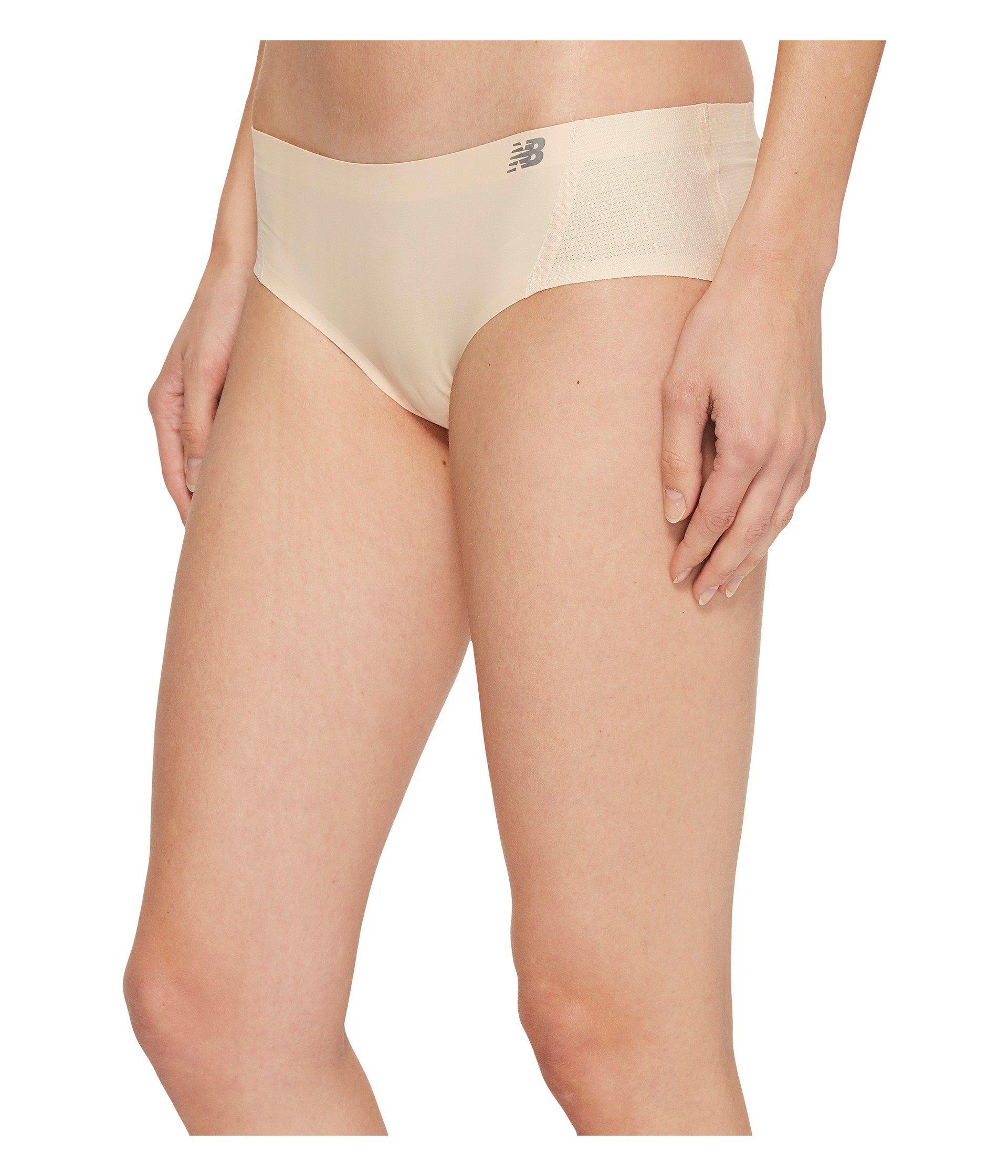 NEW BALANCE Women/'s Thong Panties 2 Pack Medium Black Naked Gym NB New